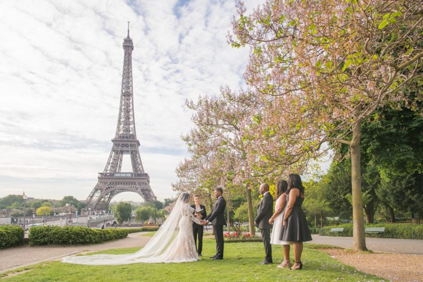 Paris Officiant Laura Montorio