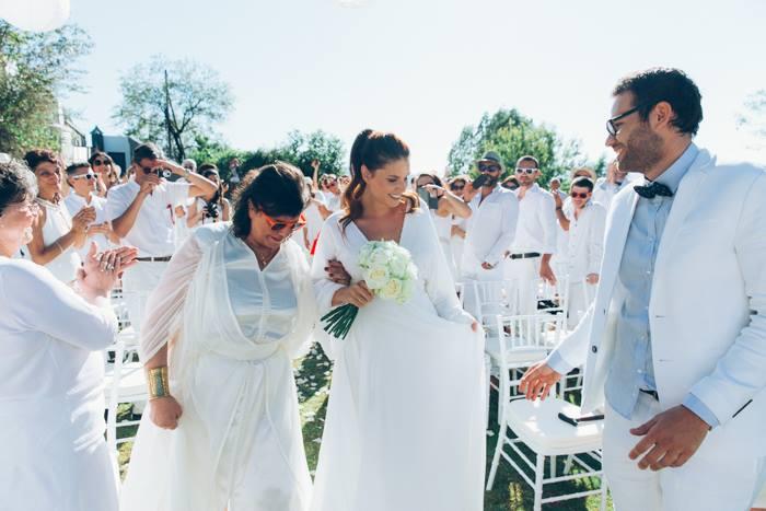 Stunning white themed garden wedding