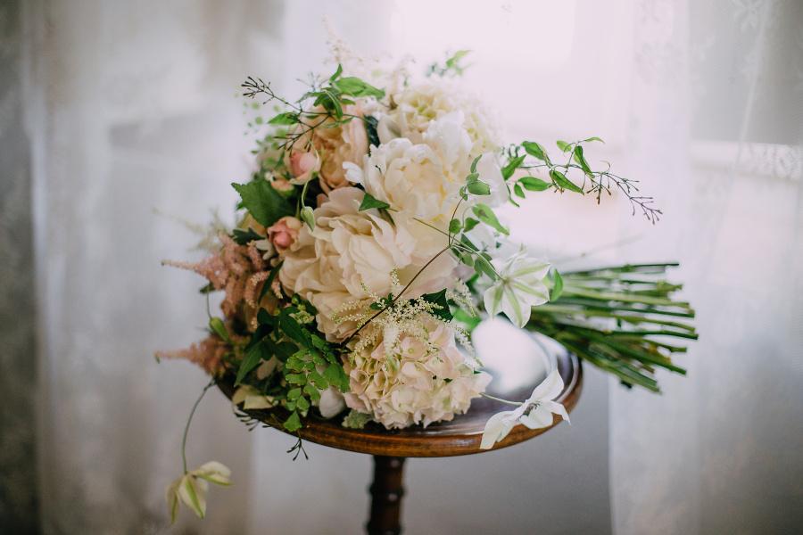 Bridal flowers - Gemma and James garden wedding